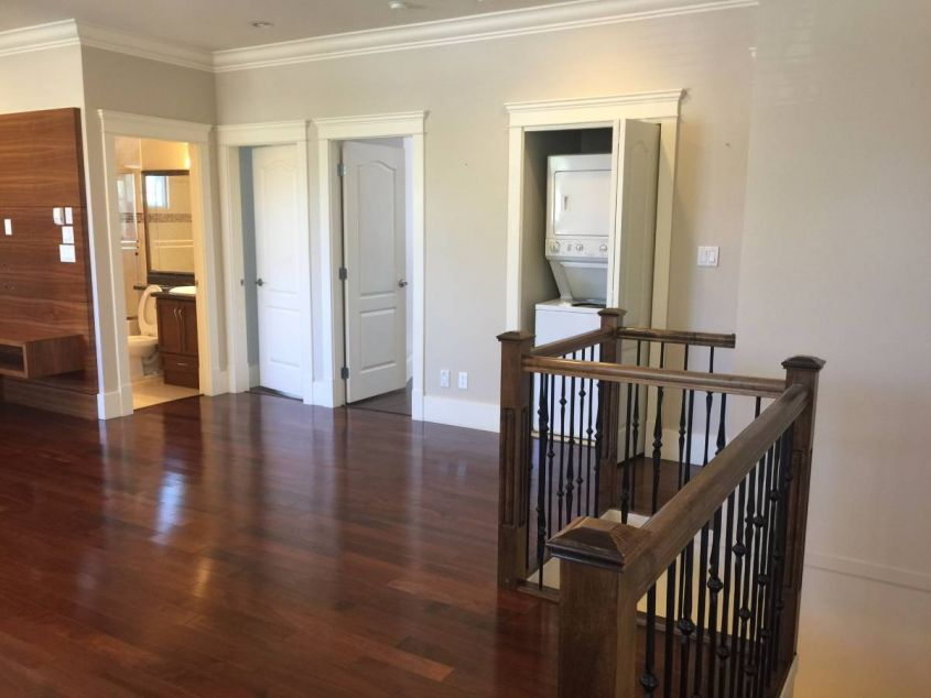 3 BR Family Home Main House@Victoria Fraserview For Rent!