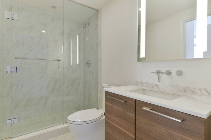 Luxurious 2 BR w/Balcony@South Granville Gateway For Rent