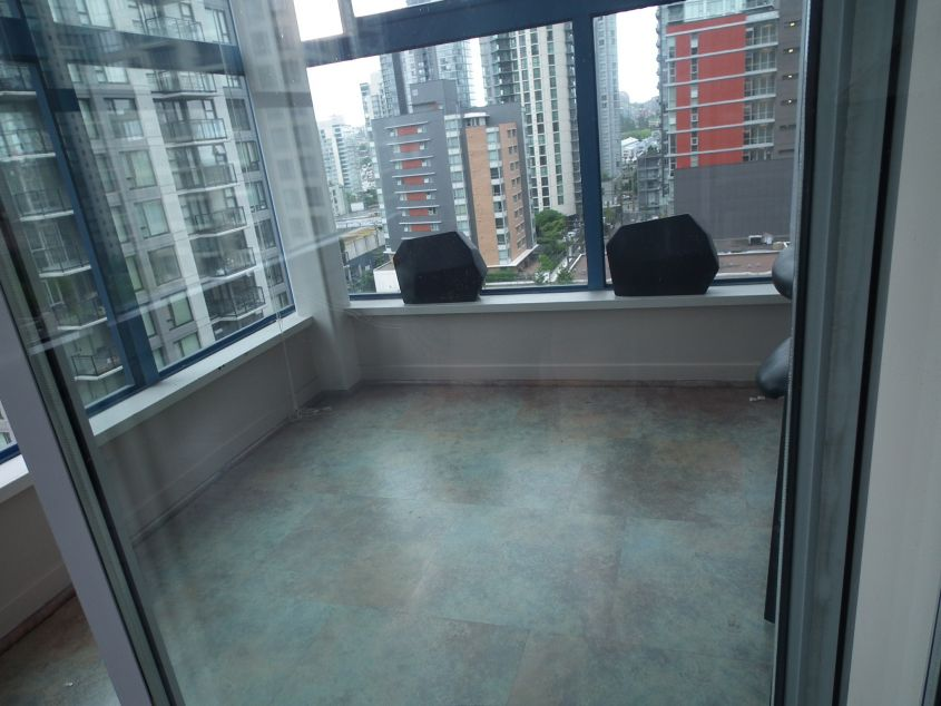 Stunning 1 Bedroom Loft at The Space in Yaletown - $2150
