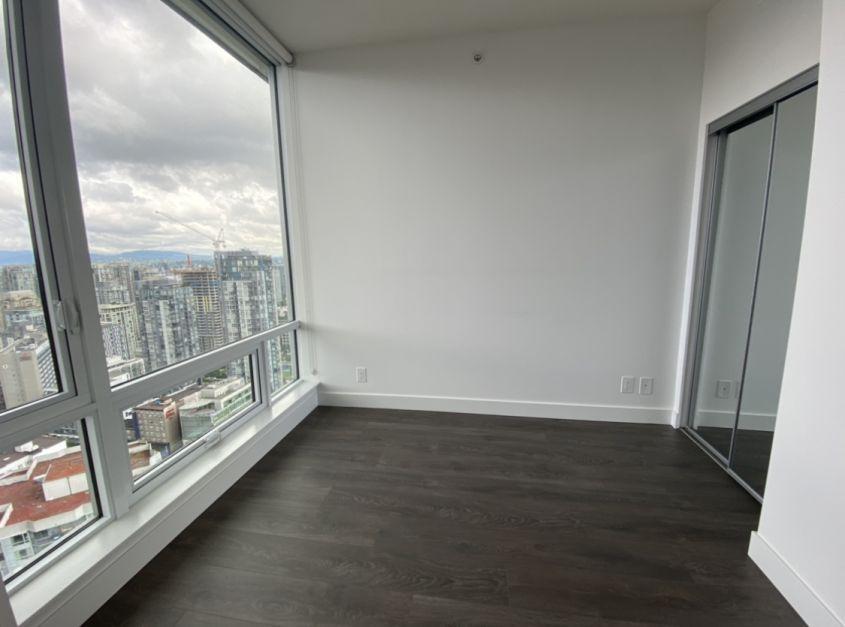 1283 Howe St, Vancouver, BC V6Z 1C1, Canada