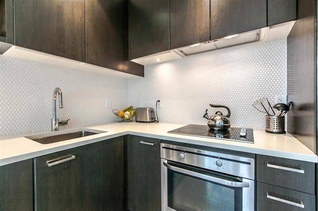 $2,300 / 1br - 633ft2 - Spacious one bedroom and den in SPRUCE Cambie Village