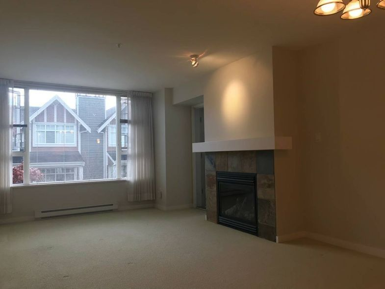 7089 Mont Royal Square, Vancouver, BC V5S 4W6, Canada
