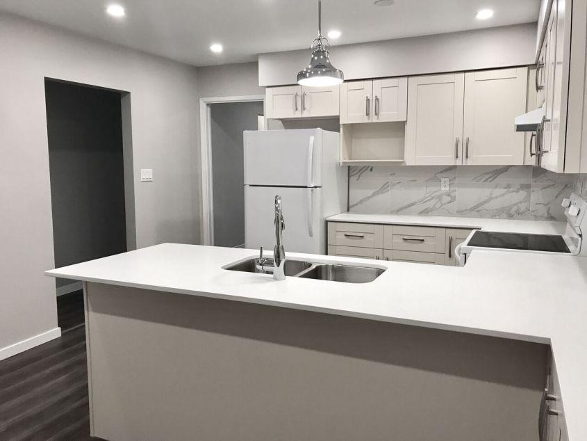 Fully Renovated 5 Bedroom Duplex near Kensington Burnaby For Rent