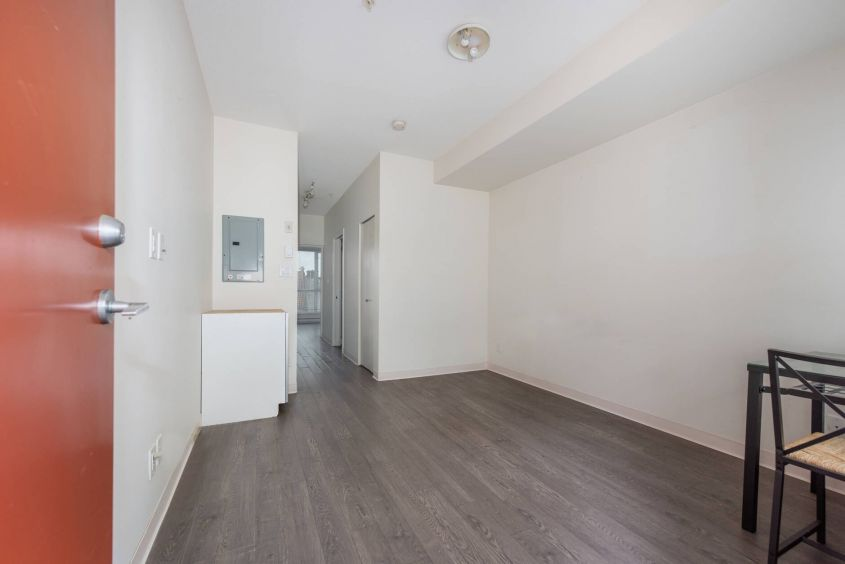 Cozy Pet Friendly 1 Bed For Rent in Downtown Gastown Area!