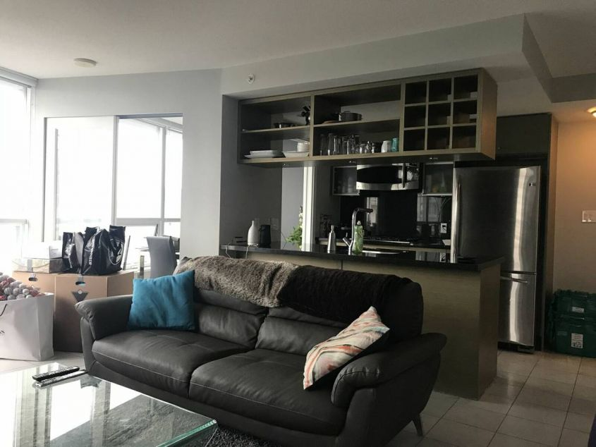 Luxury Living 1Bed/1Bath/Den/Balcony For rent in Capitol Res at ROBSON