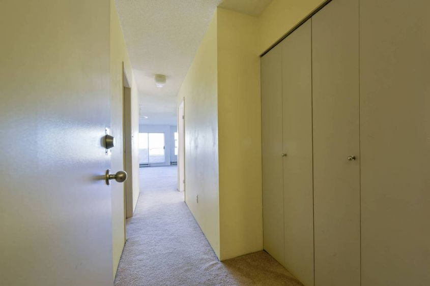 Bright 1 Bed/1Bath Apartment For Rent at Fairview Vancouver