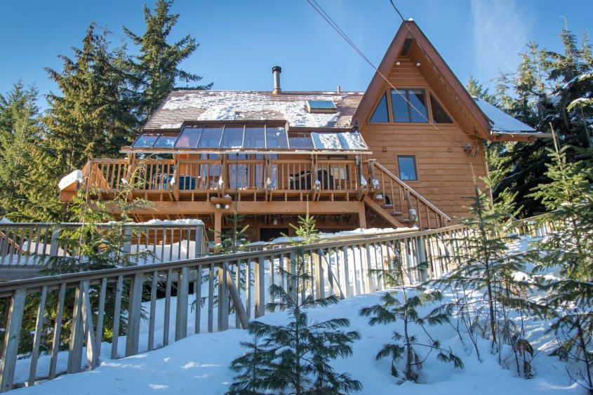 bolld.com Furnished 1Bed/1Bath Lower Level of a Home@ ALPINE MEADOWS!