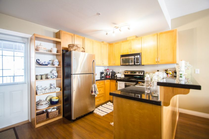 Pet-Friendly 2Bed/2Bath 2 Lvl Townhome near HIGHGATE MALL BURNABY