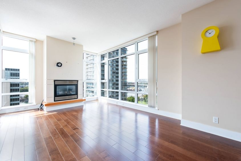 bolld.com Elegant 2Bed/2Bath w/Ocean & City Views at FALSECREEK