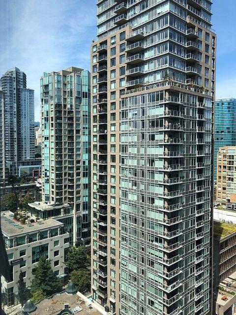 2209 - 909 Mainland Street Vancouver - 1