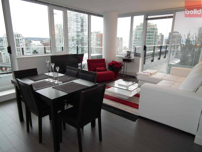 1325 Rolston Street Vancouver BC Canada - V6B 0M2
