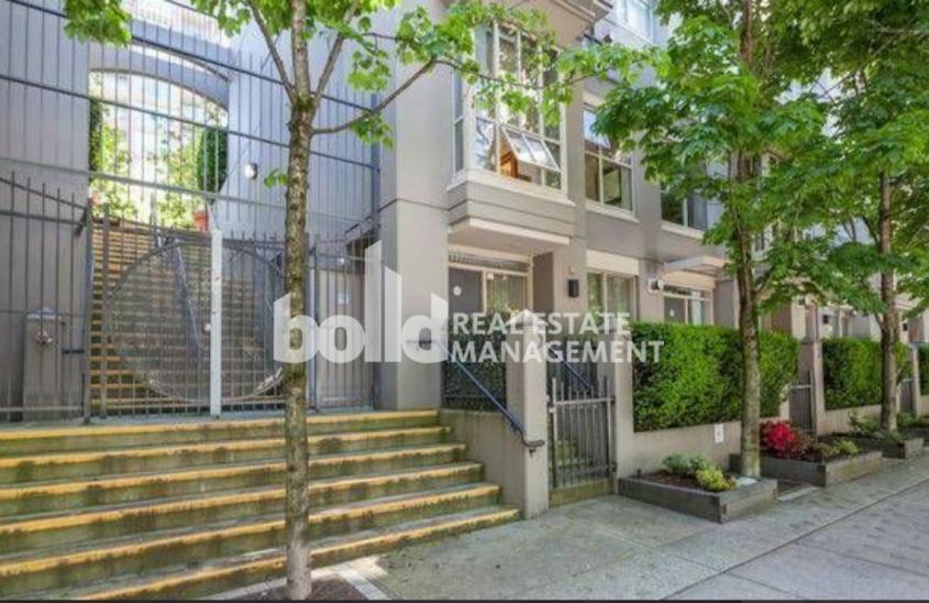 #1806 MONDRIAN– 969 Richards Street, Vancouver