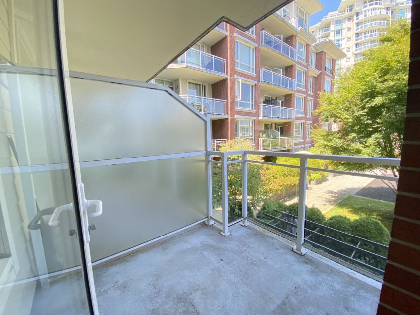 4078 Knight St, Vancouver, BC V5N, Canada