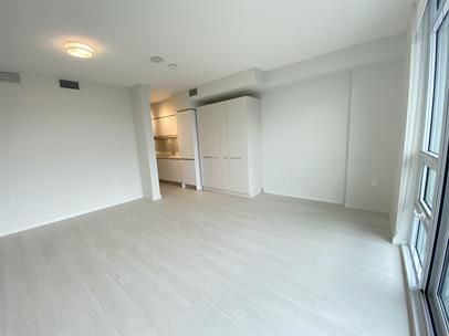 #809 180 East 2nd Avenue, Vancouver British Columbia V5T 0K4
